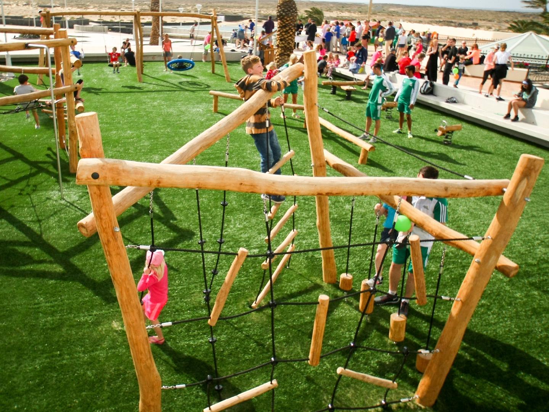 Playground BG